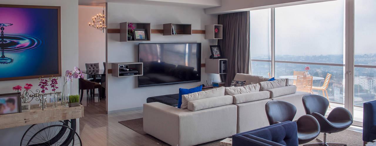 Salas / recibidores de estilo  por kababie arquitectos