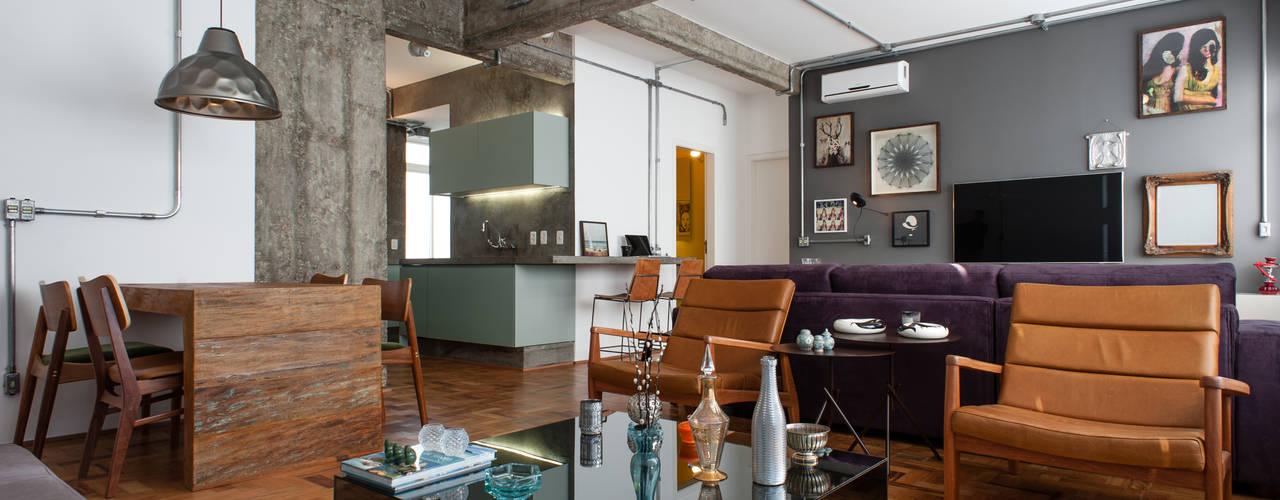 Livings de estilo industrial de PM Arquitetura Industrial