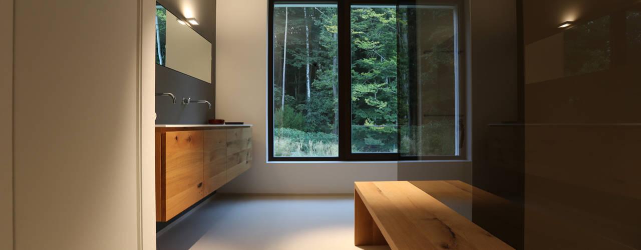 Ванные комнаты в . Автор – DG/D Architekten