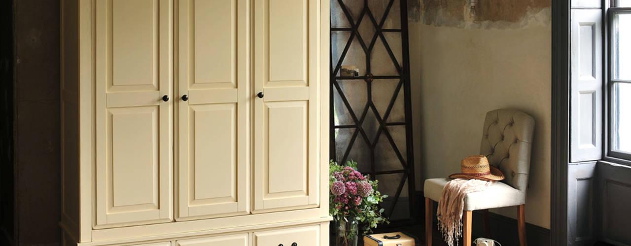 Bedroom Schlafzimmer im Landhausstil von The Cotswold Company Landhaus
