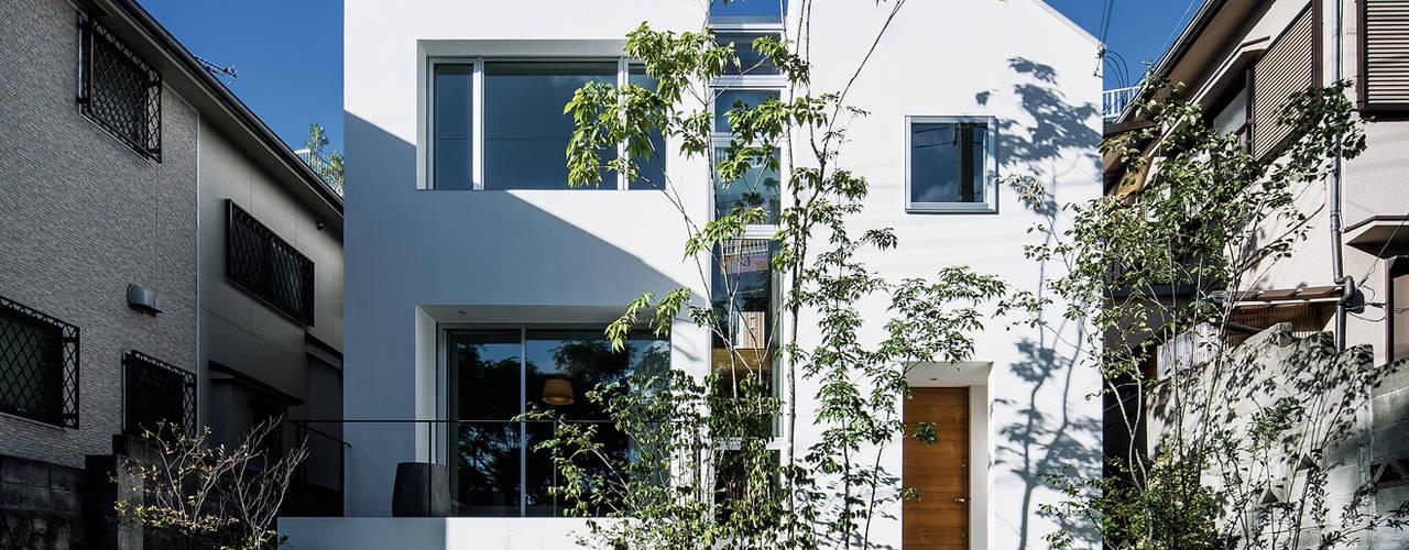 現代房屋設計點子、靈感 & 圖片 根據 株式会社seki.design 現代風
