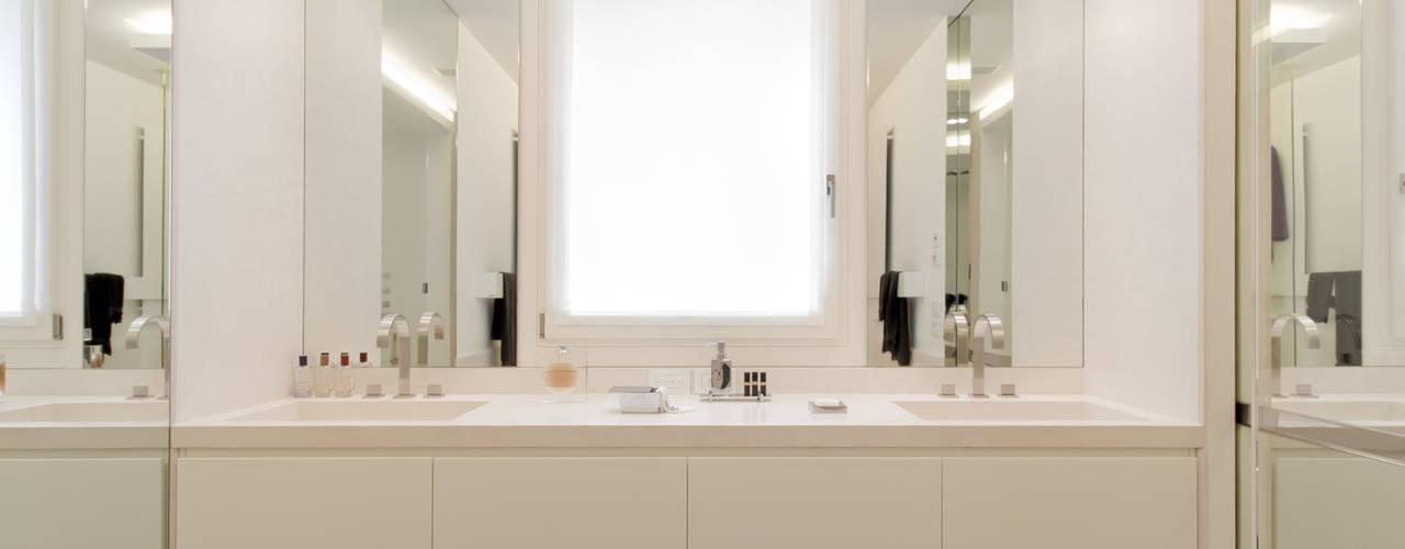 THE JACK WHITE HOUSE Bagno eclettico di STUDIO CERON & CERON Eclettico