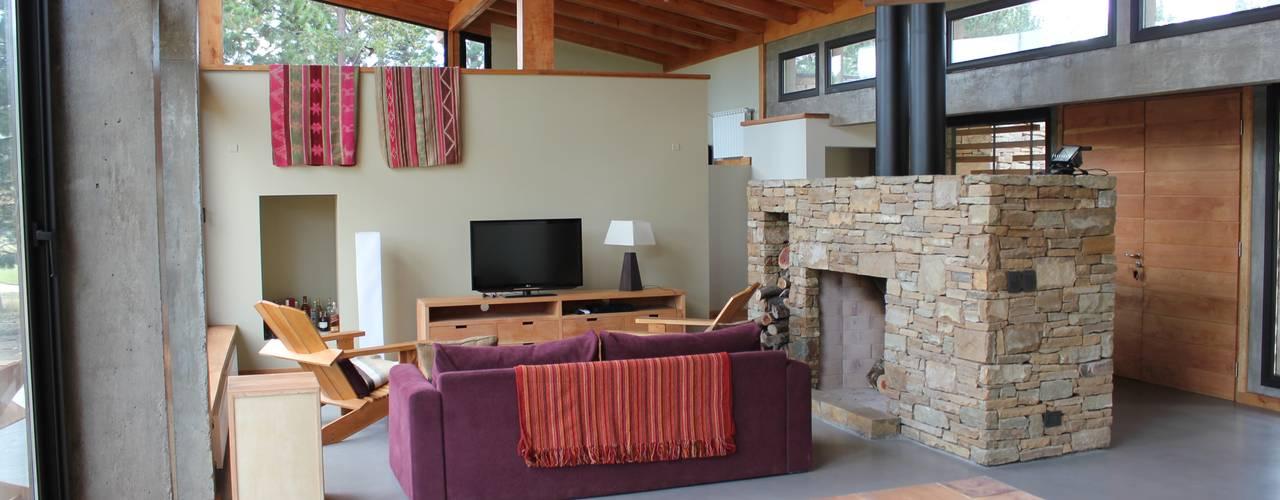 Гостиная в . Автор – Aguirre Arquitectura Patagonica
