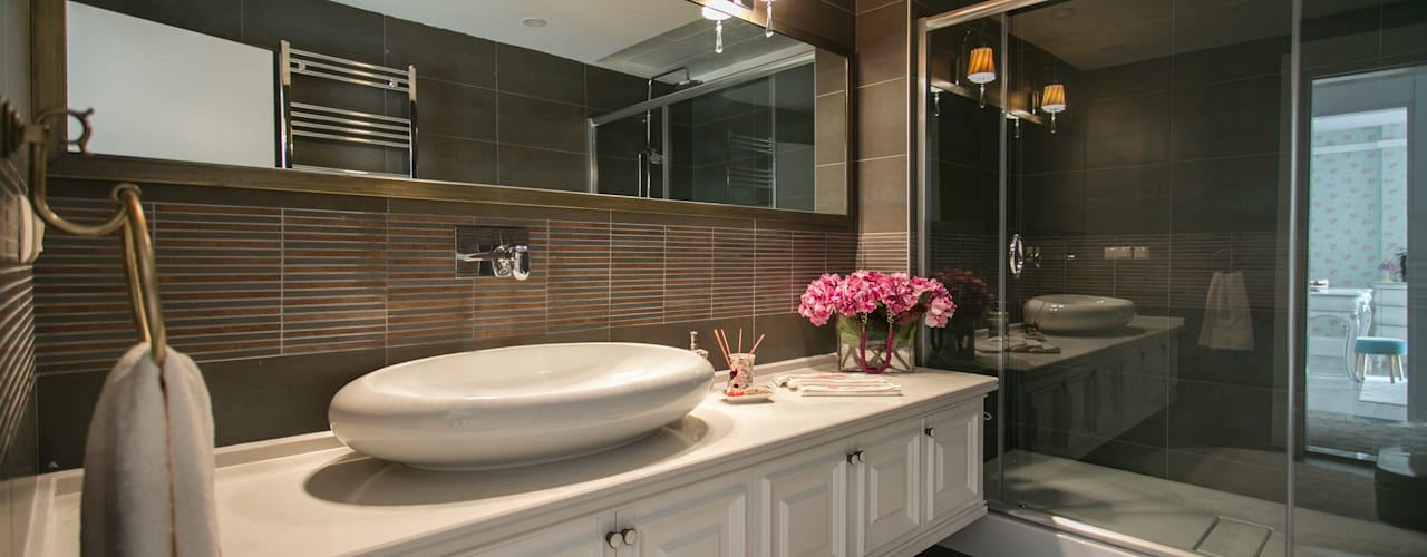 Classic style bathroom by PS MİMARLIK Classic