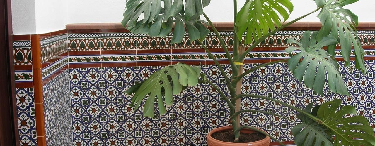 Jardines de estilo  por Hispalcerámica, Mediterráneo