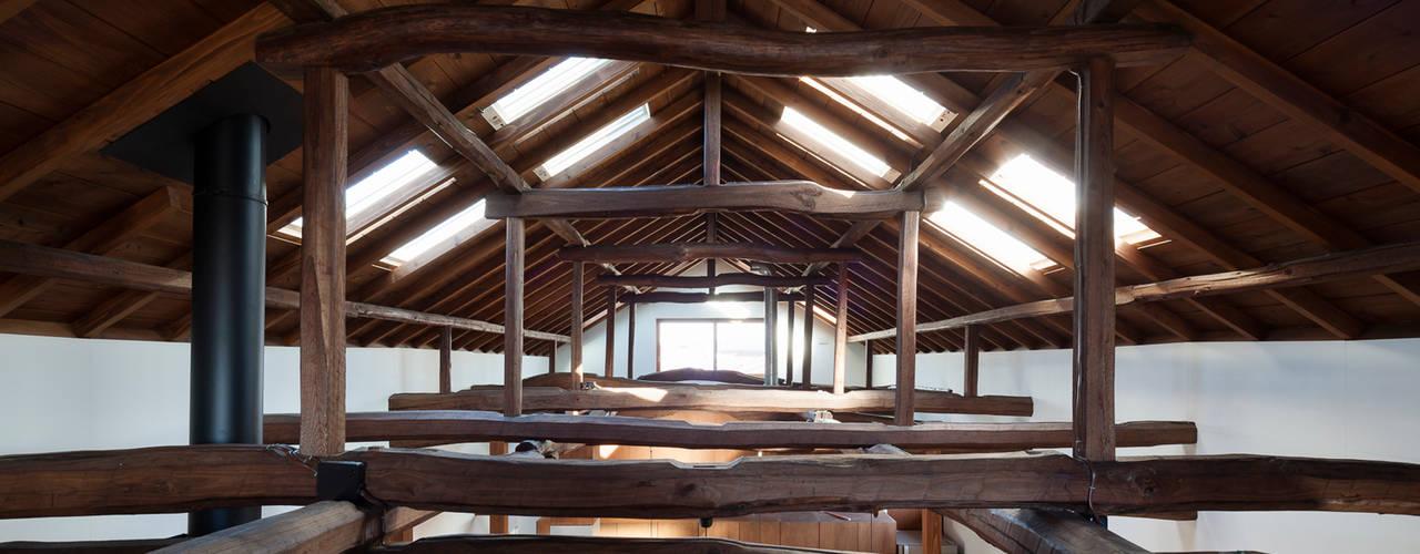 Projekty,  Pokój multimedialny zaprojektowane przez STUDIO POH