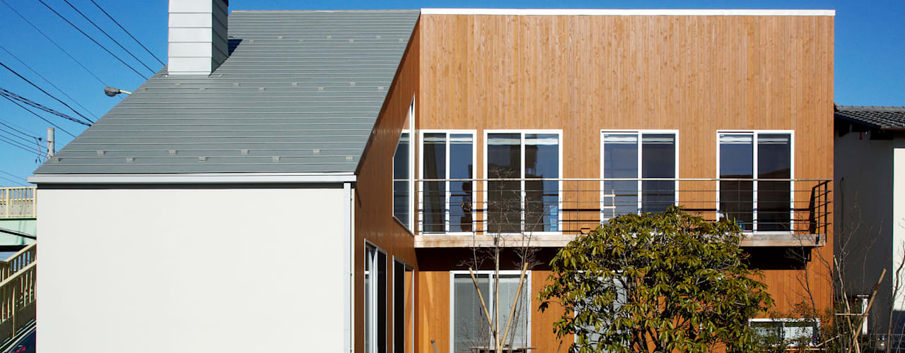 H邸-南側ファサード: 株式会社sum designが手掛けた家です。