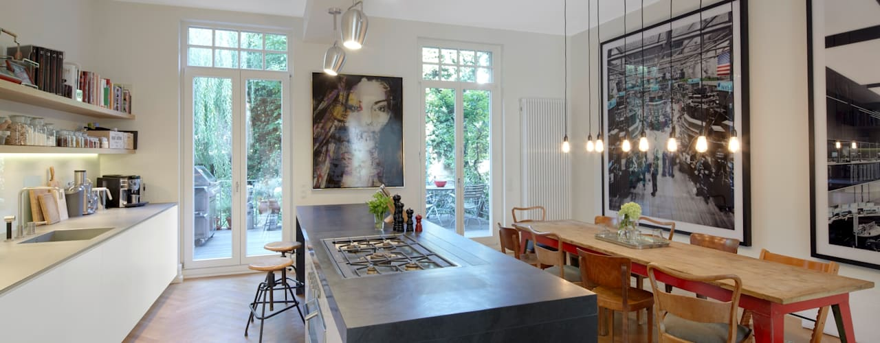 Кухня в стиле модерн от Schmidt Holzinger Innenarchitekten Модерн
