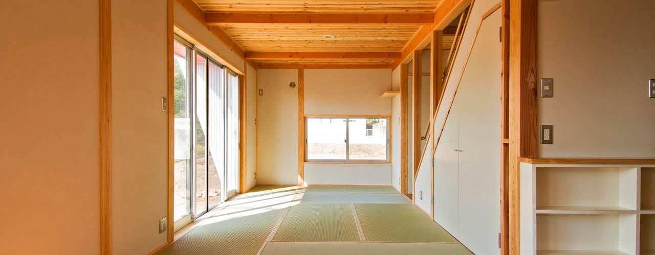 見晴らしの家 オリジナルデザインの リビング の 氏原求建築設計工房 オリジナル