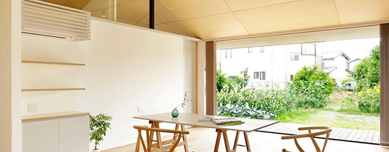 Гостиная в . Автор – miyukidesign