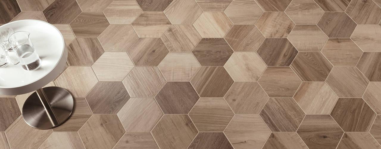 Hexagon Wood Nowoczesny salon od The Baked Tile Company Nowoczesny