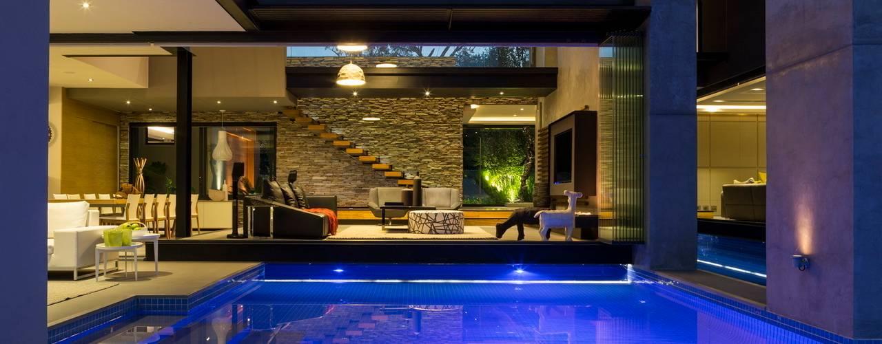 ระเบียง, นอกชาน by Nico Van Der Meulen Architects