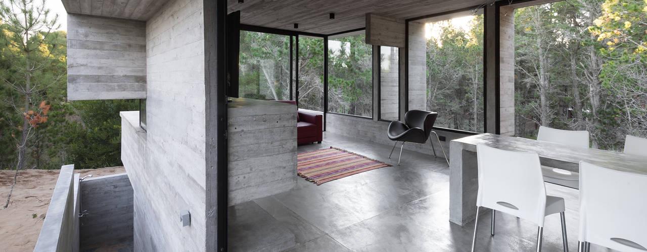 Столовые комнаты в . Автор – Besonías Almeida arquitectos,