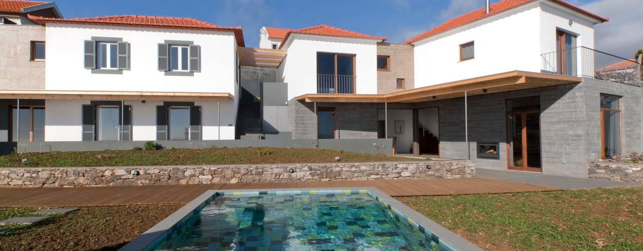 Rural Tourism Casa da Vereda Maisons rustiques par Mayer & Selders Arquitectura Rustique