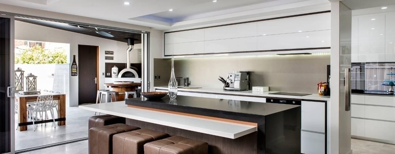 Кухни в . Автор – Moda Interiors,