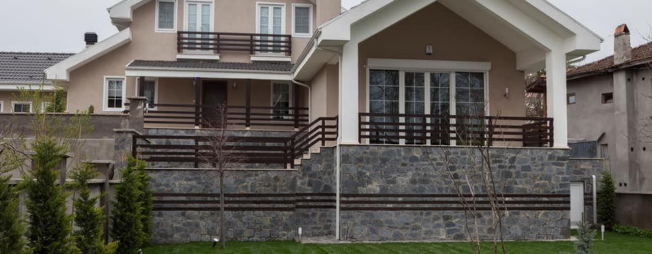 Nowoczesny balkon, taras i weranda od NUUN MİMARLIK Nowoczesny