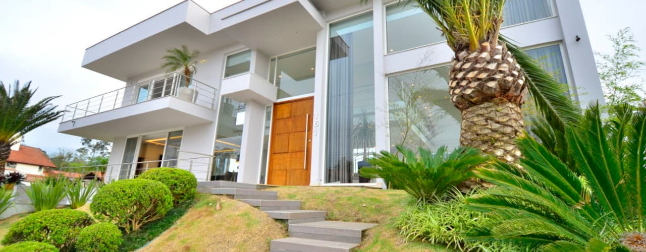 Taman Tropis Oleh Marcelo John Arquitetura e Interiores Tropis
