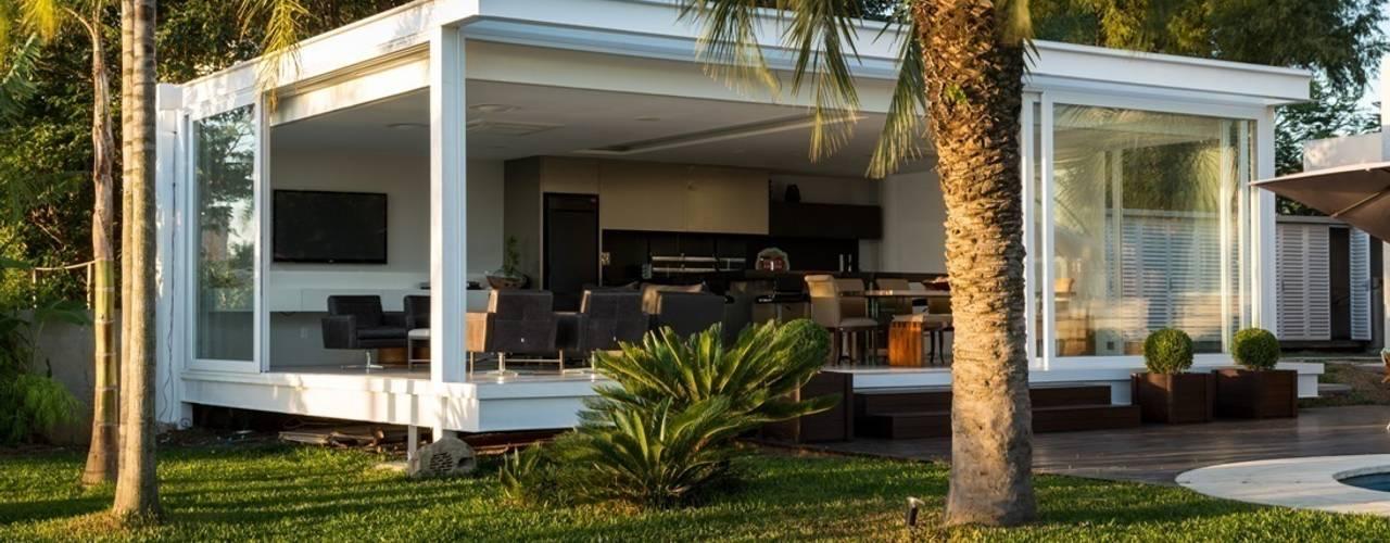 บ้านและที่อยู่อาศัย by Kali Arquitetura