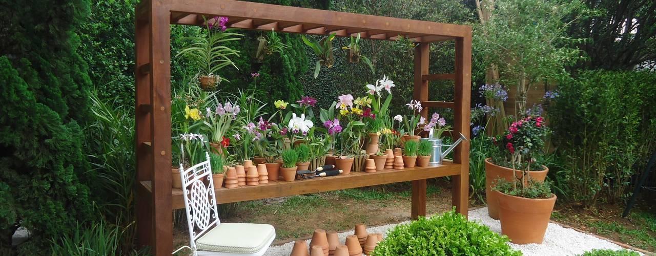 Jardines de estilo  por Línea Paisagismo.Claudia Muñoz
