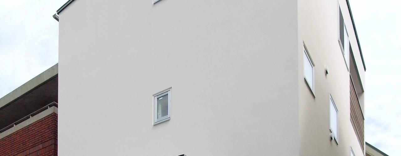 ENCLOSE モダンな 家 の 充総合計画 一級建築士事務所 モダン