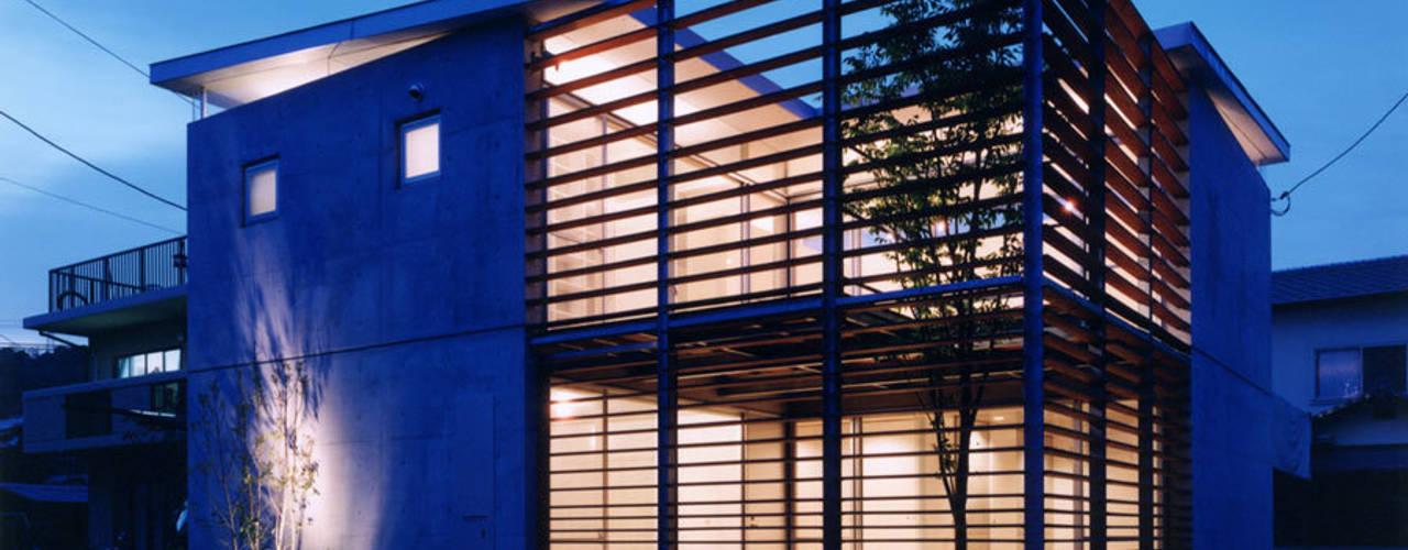 コートハウス2 モダンな 家 の 土居建築工房 モダン
