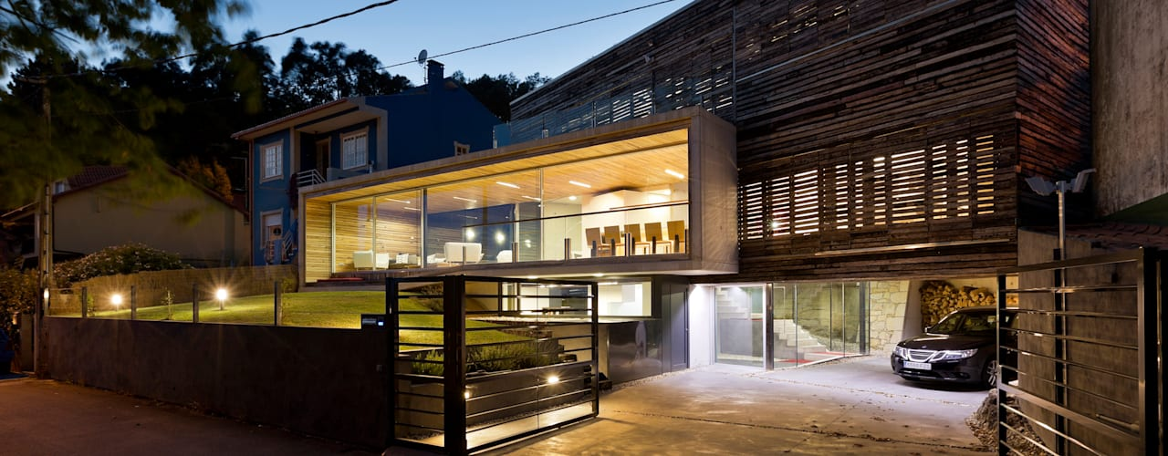 Dezanove House Inaki Leite Design Ltd. Modern garage/shed