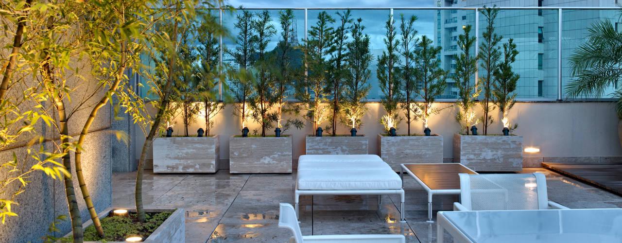Anaíne Vieira Pitchon Arquitetura e Interiores Balcones y terrazasIluminación