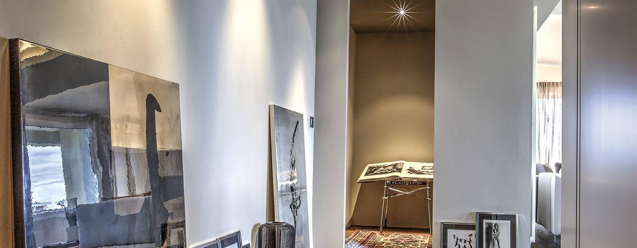 cristina zanni designer Koridor & Tangga Modern