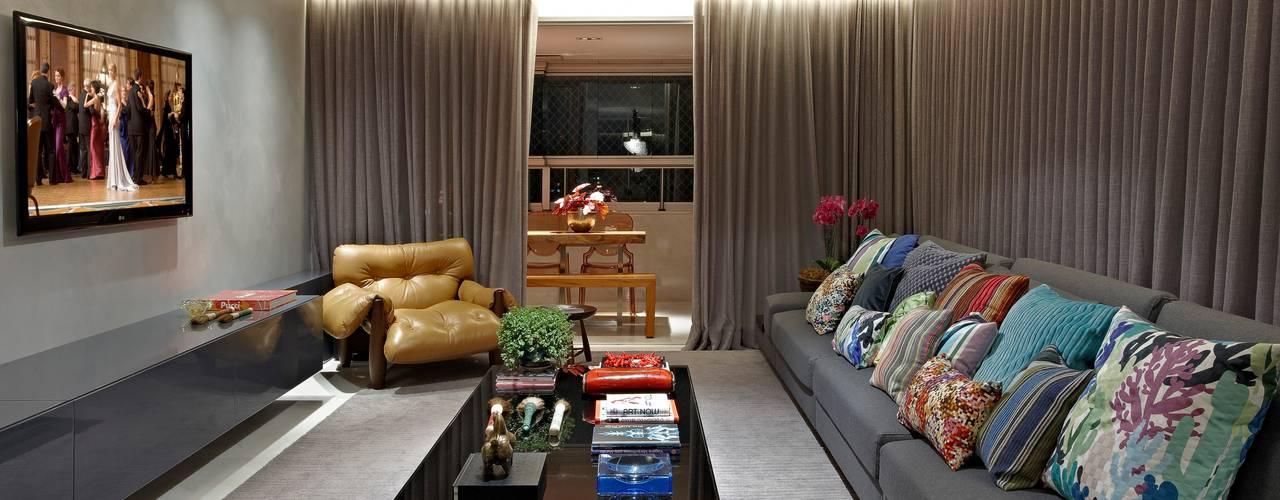 Apartamento Residencial Sion 260m²: Salas de estar  por Andréa Buratto Arquitetura & Decoração