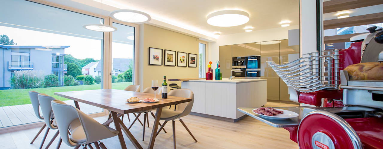 غرفة السفرة تنفيذ ARKITURA GmbH
