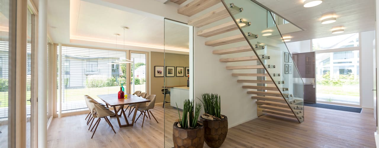 Modern Corridor, Hallway and Staircase by ARKITURA GmbH Modern