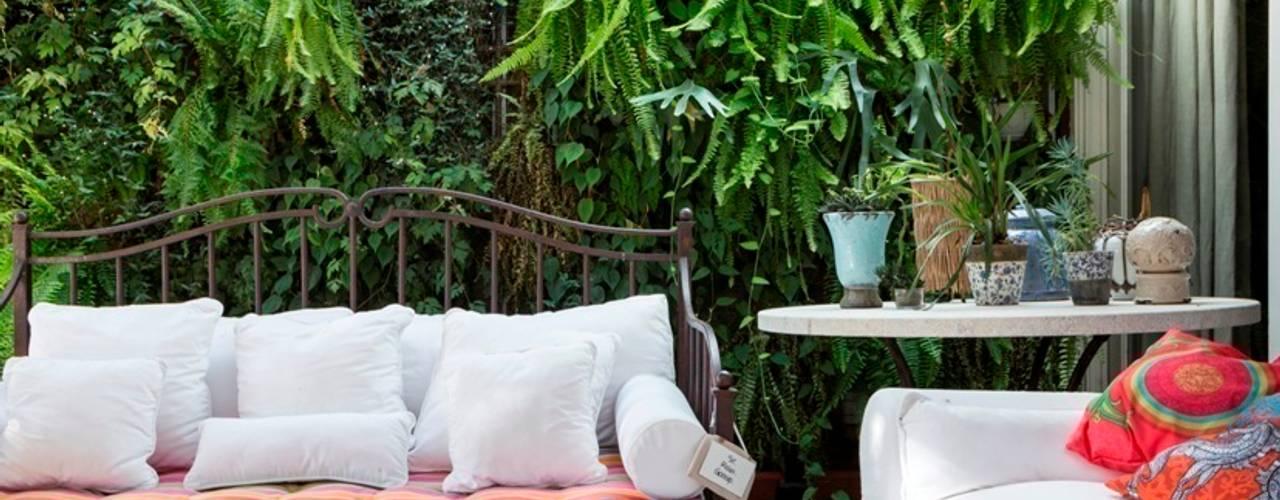 Balcones y terrazas modernos: Ideas, imágenes y decoración de Kali Arquitetura Moderno
