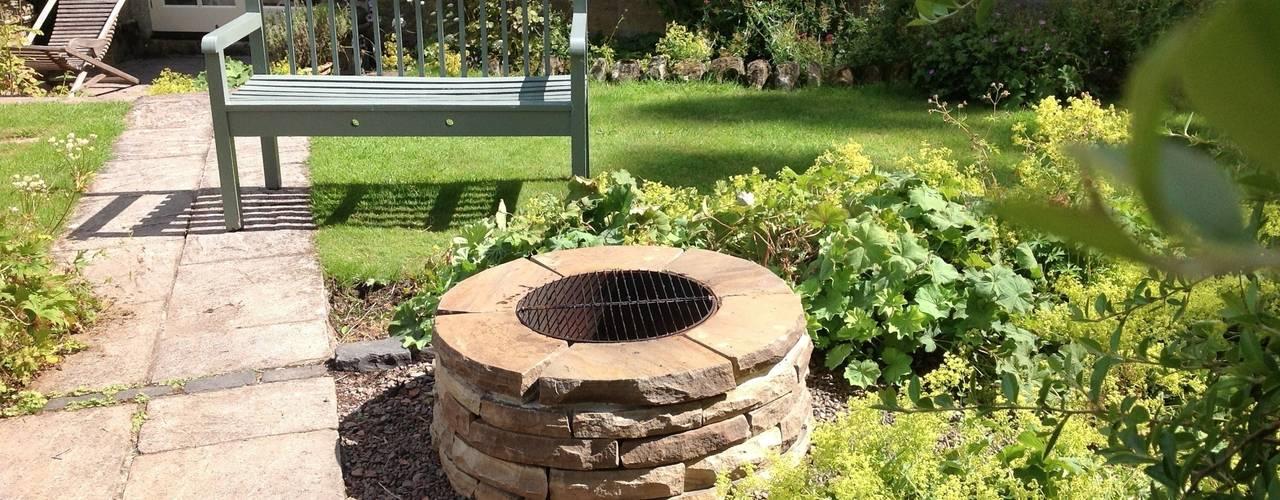Jardins rústicos por Lithic Fire