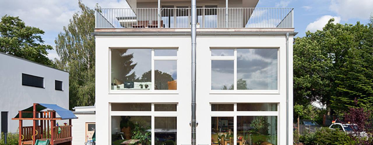 Terrazas de estilo  por Müllers Büro