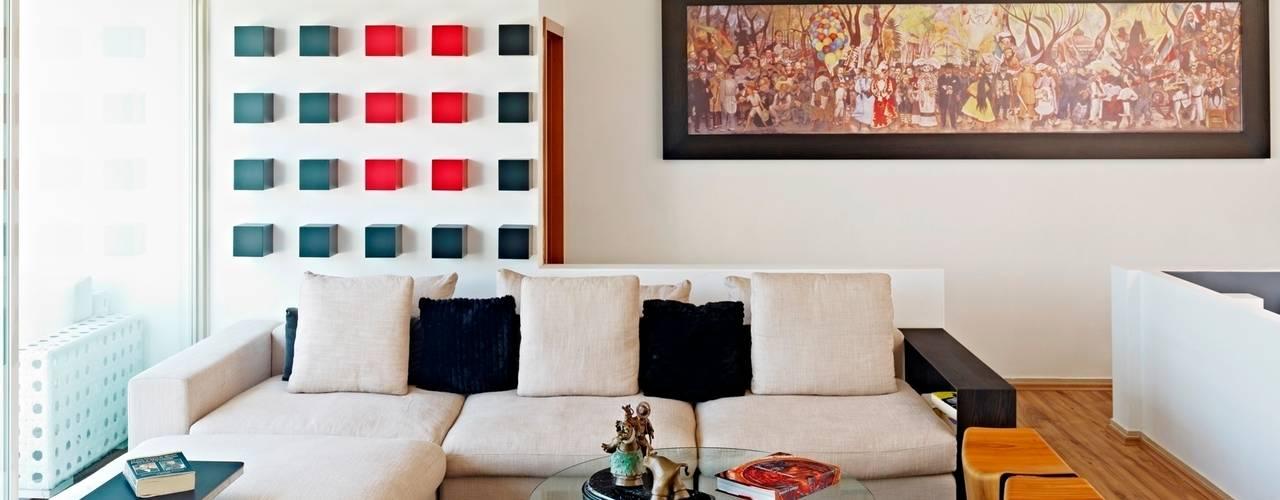 Casa Altavista: Salas de estilo  por Excelencia en Diseño