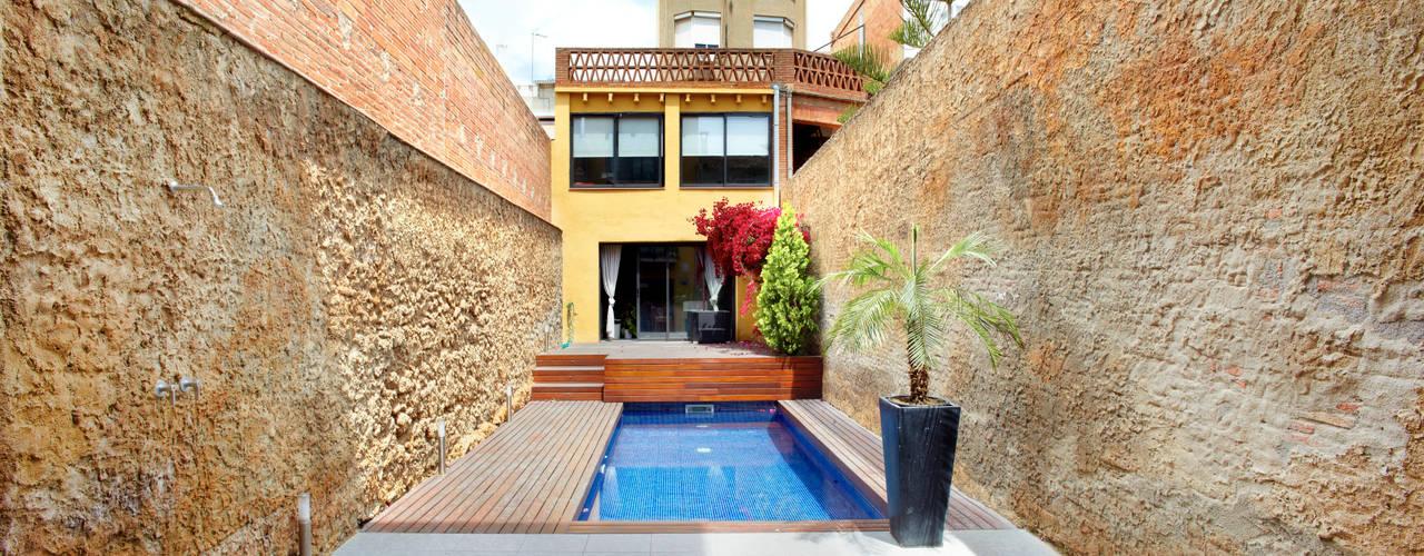 Minimalist style garden by costa+dos Minimalist
