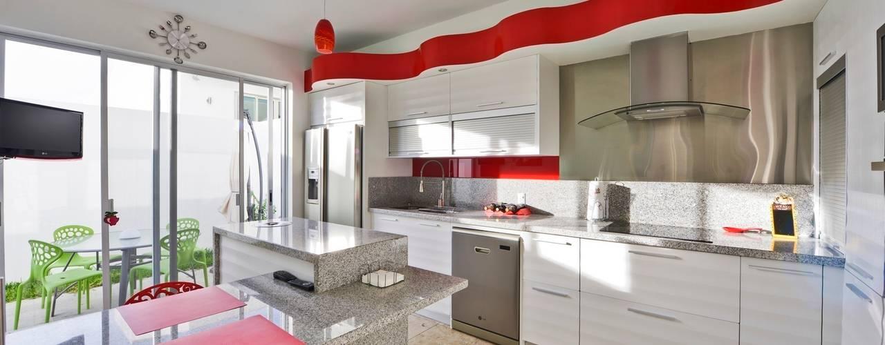 Projekty,  Kuchnia zaprojektowane przez Excelencia en Diseño