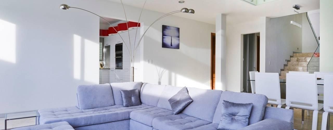 Salas de estar minimalistas por Excelencia en Diseño Minimalista