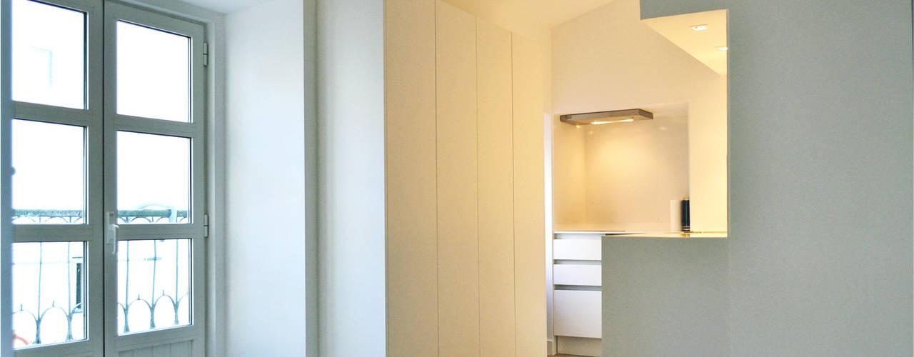 032   Apartamento, Alfama, Lisboa Cozinhas minimalistas por T2 Arquitectura & Interiores Minimalista