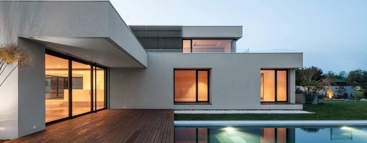 Casa na Beloura, Sintra Estúdio Urbano Arquitectos Casas minimalistas