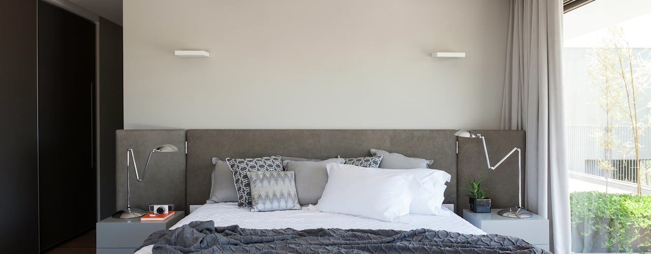Minimalist bedroom by Consuelo Jorge Arquitetos Minimalist