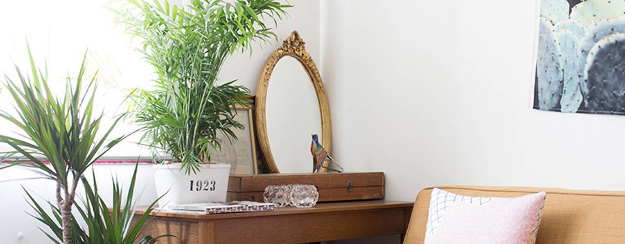 Detalle de salón: Salones de estilo  de www.rocio-olmo.com