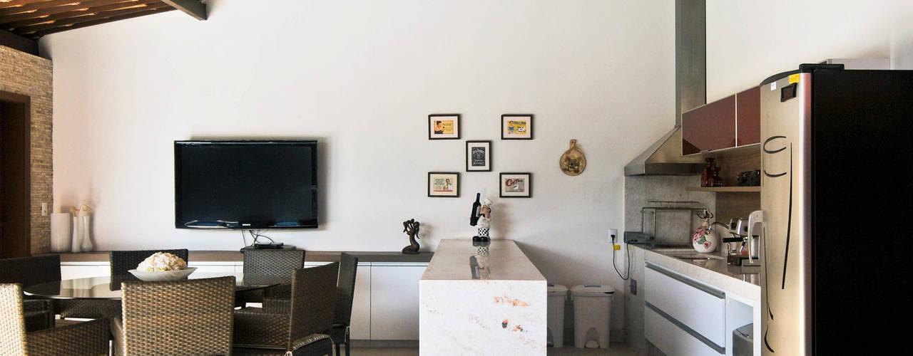 Espaço Gourmet S|M: Piscinas  por Argollo & Martins | Arquitetos Associados