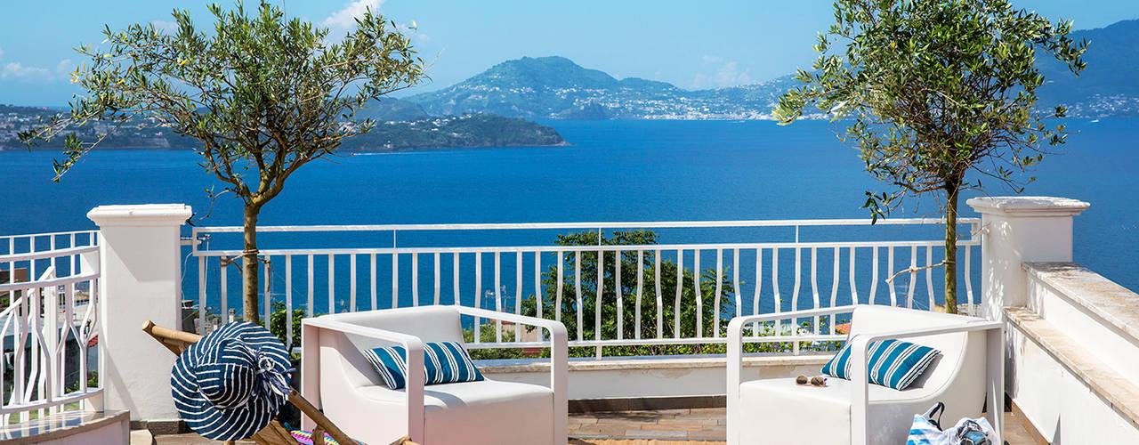 PDV studio di progettazione Balcones y terrazas de estilo mediterráneo