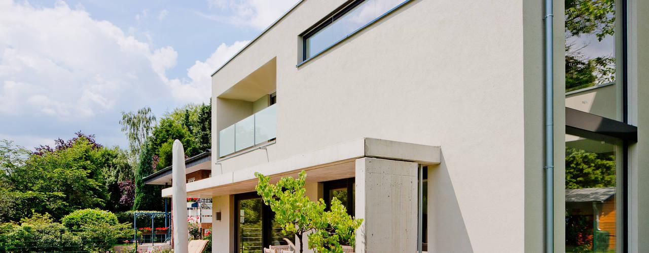Casas modernas de Ferreira | Verfürth Architekten Moderno