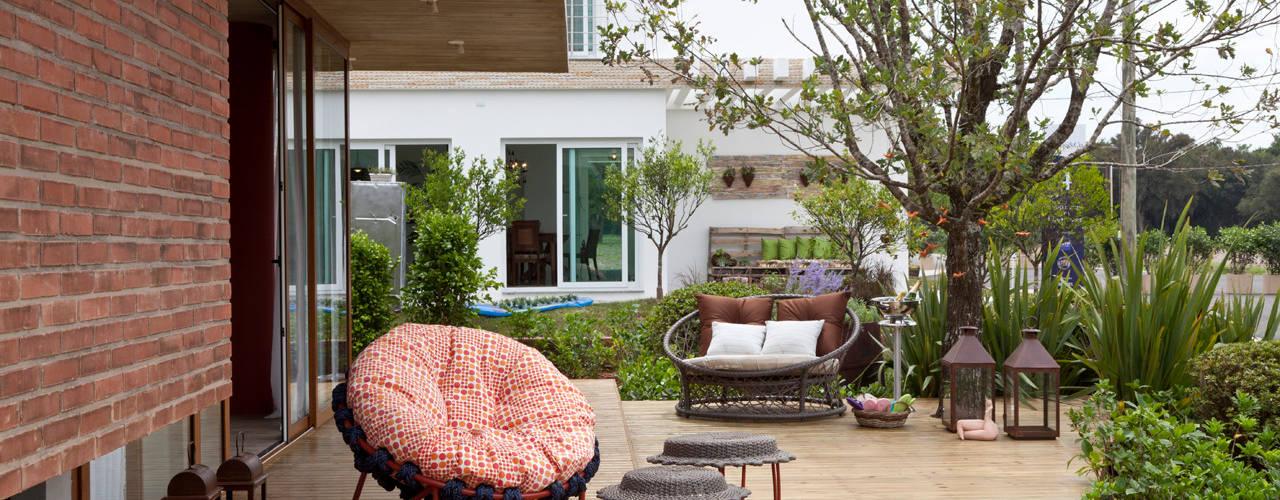 Terrazas  de estilo  por Seferin Arquitetura, Moderno