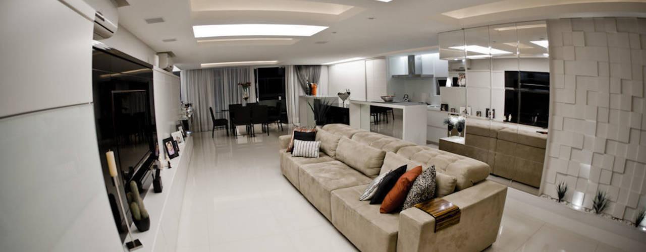 EES - 2011 - Projeto de Interiores: Salas de estar  por Kali Arquitetura