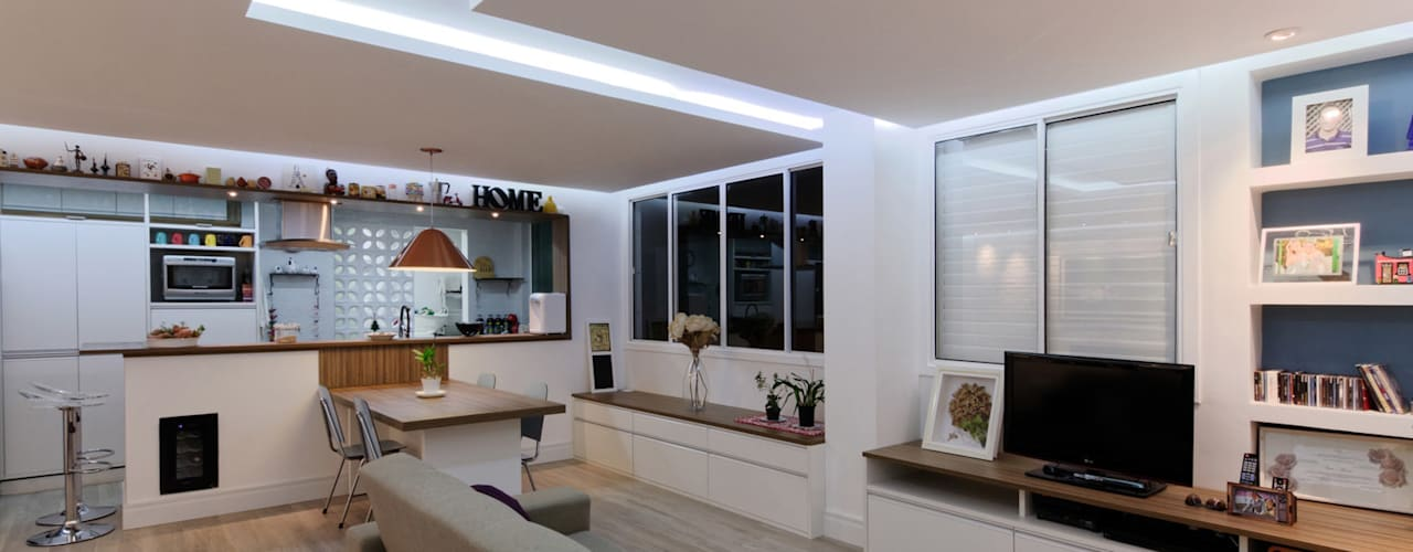 Apartamento Itaim Bibi - 90m²: Salas de estar  por Raphael Civille Arquitetura