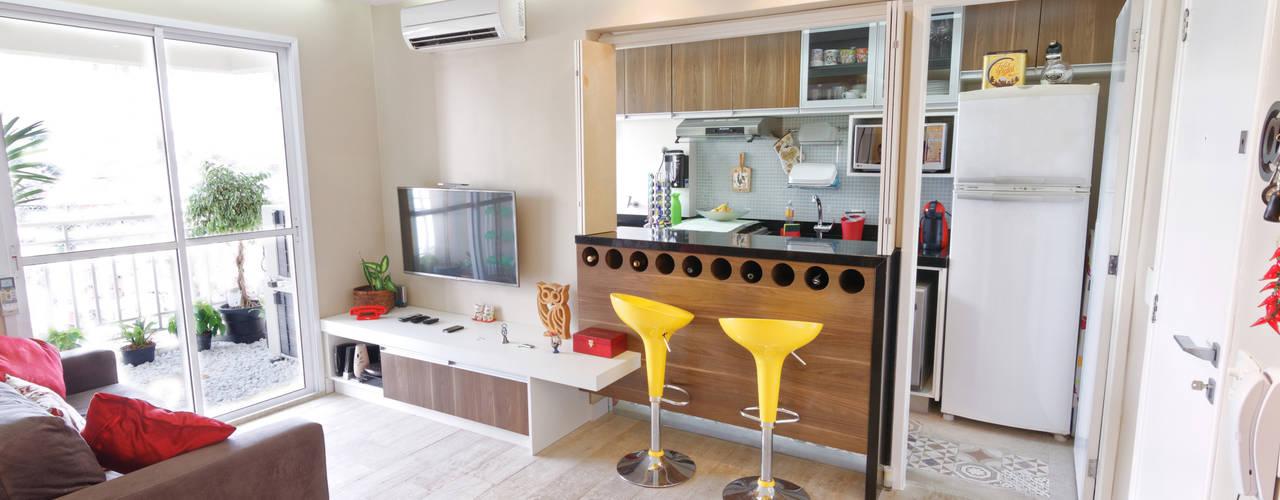 Apartamento Parque Butantã - 50m²: Salas multimídia  por Raphael Civille Arquitetura