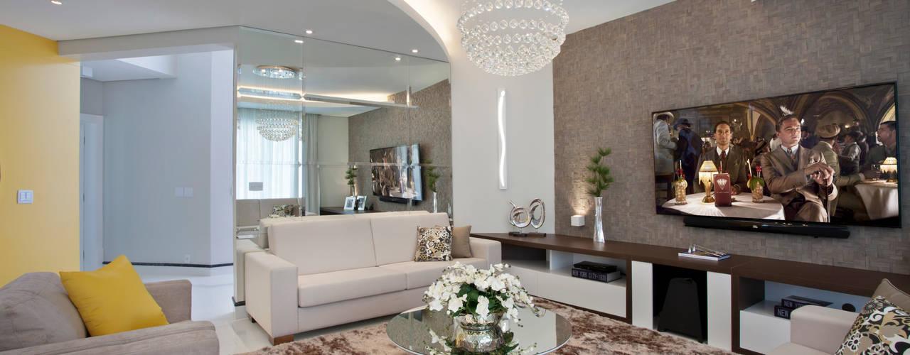 Designer de Interiores e Paisagista Iara Kílaris 现代客厅設計點子、靈感 & 圖片